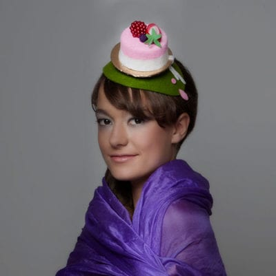 woman with edible fascinator